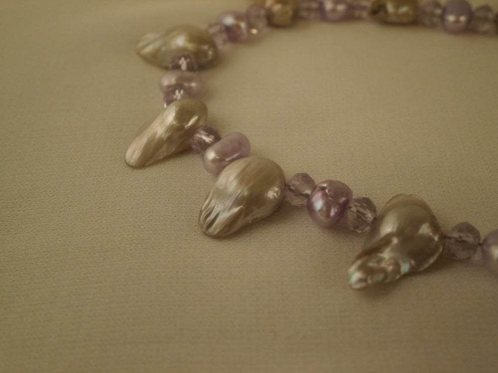 Image of Purple pearls and Chain