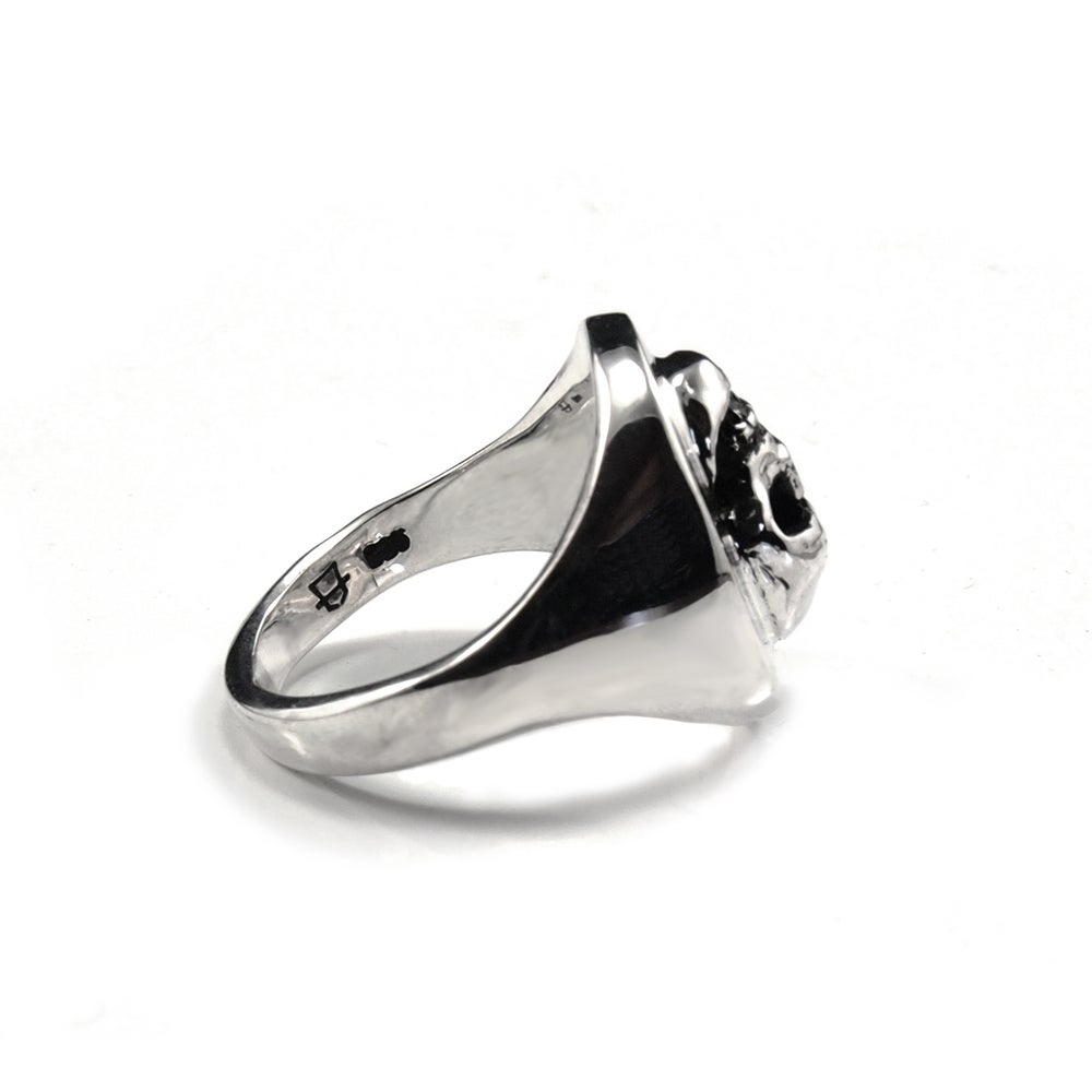 Image of Classic Signet Ring