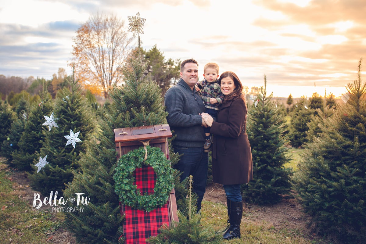 Image of Christmas Tree Farm Mini Sessions 2017