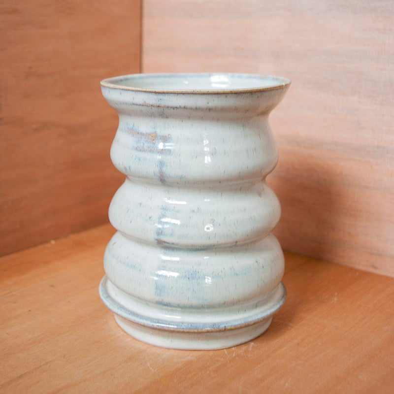Image of Wiggly vase - white