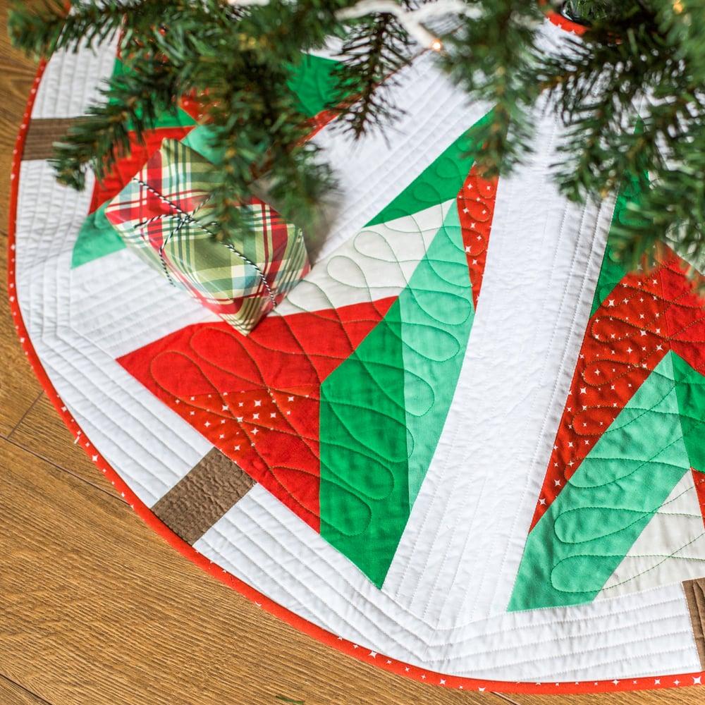 Image of Wedgwood Tree Skirt PDF Pattern