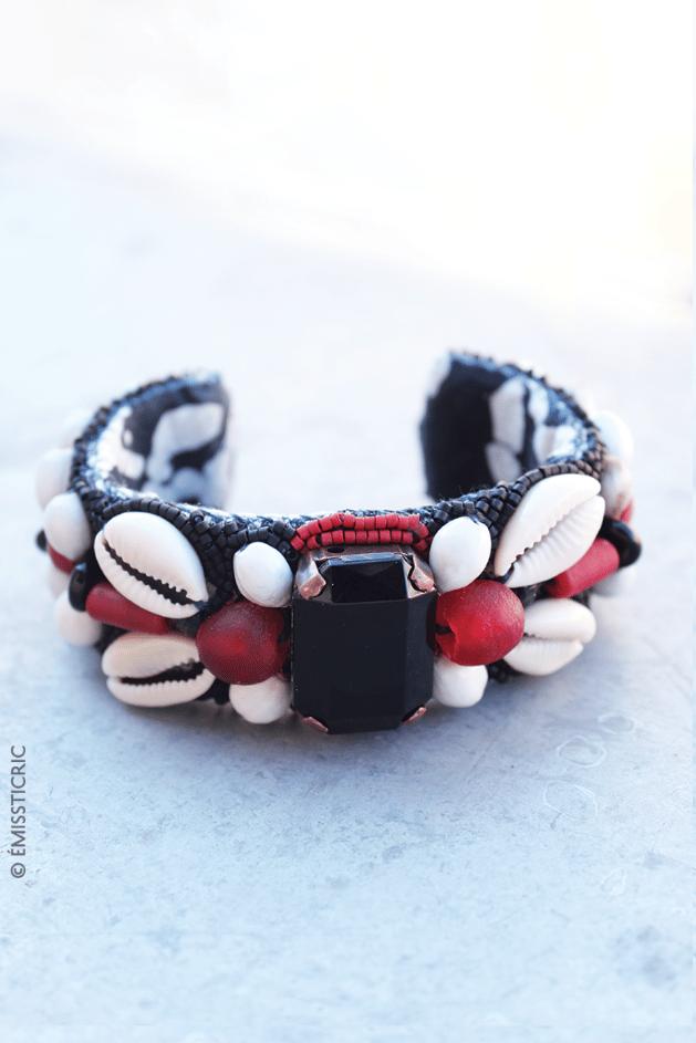 Image of MINITI : en rouge et noir