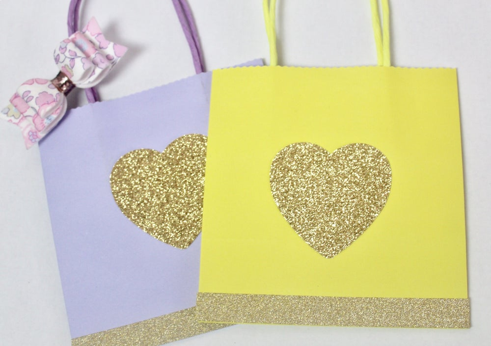 Image of Pastel party bags