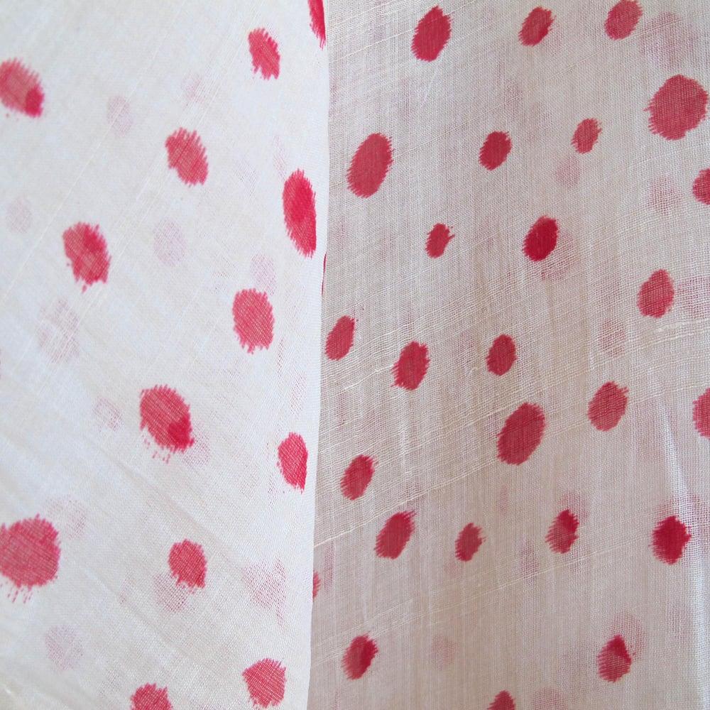 Image of silke kimono med prikker af råsilke ciffon