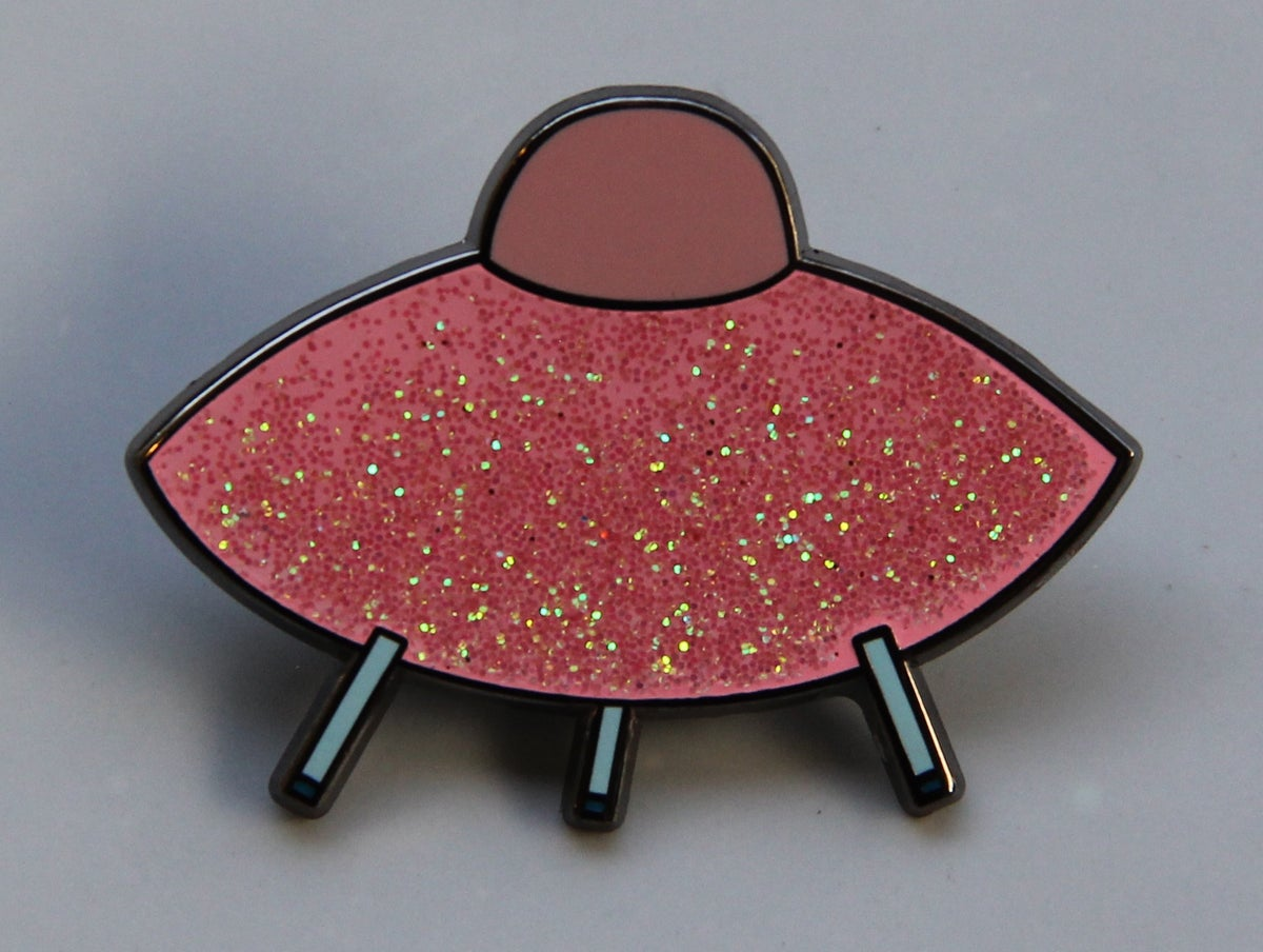 (Esther Pearl Watson) Glitter Saucer Pin (Pink)