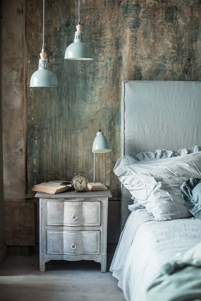 Image of Testata da letto imbottita in lino cuciture a vista