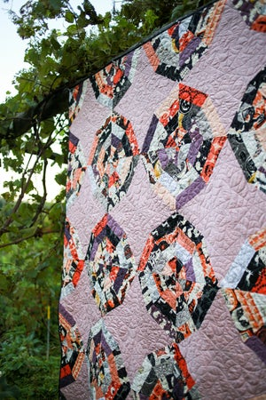 Image of Webbed Quilt PAPER Pattern