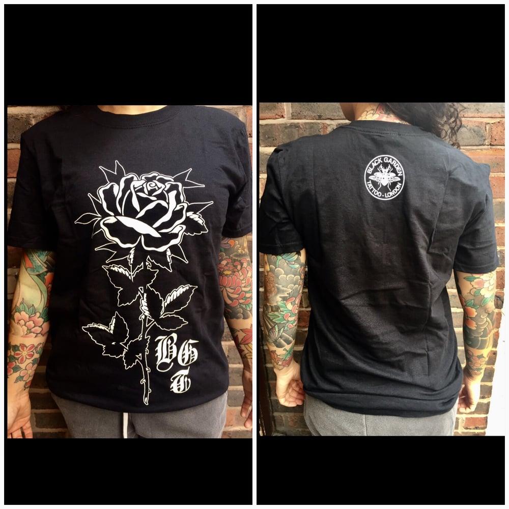 Image of Rose black T-shirt