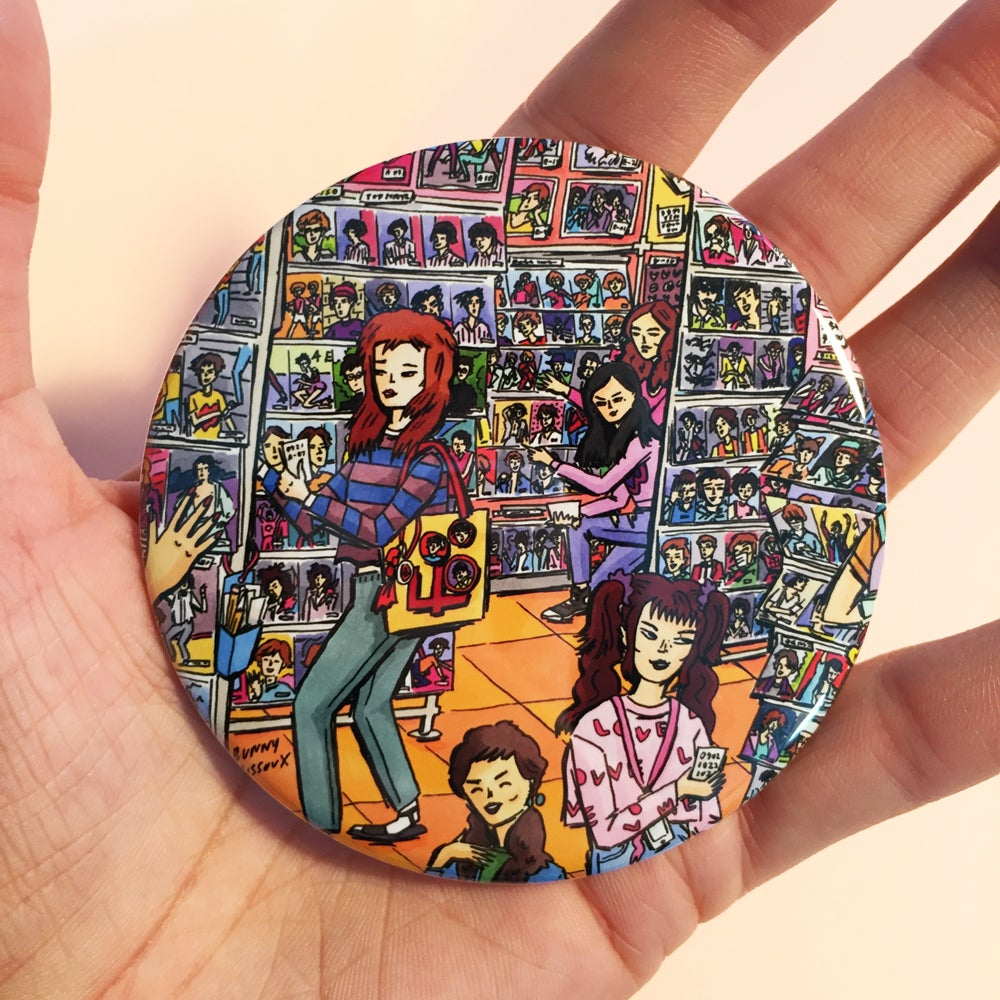Image of BUNNY BISSOUX - IDOL SHOP - BIG BADGE 76mm