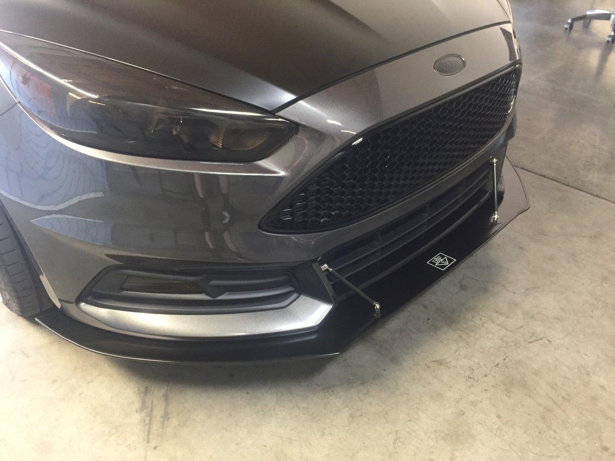 Downforcesolutions Ford Focus St Front Splitter