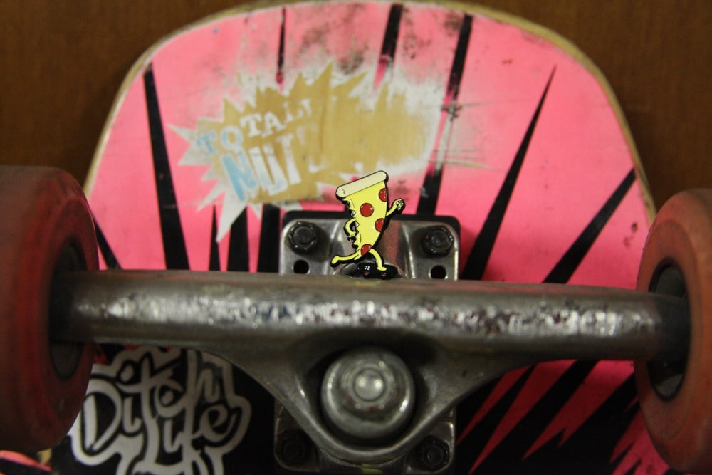 Image of BoxPalm skate slice pin & sticker