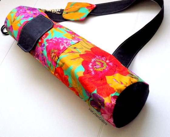 Image of Coqueta Yoga Mat Bag