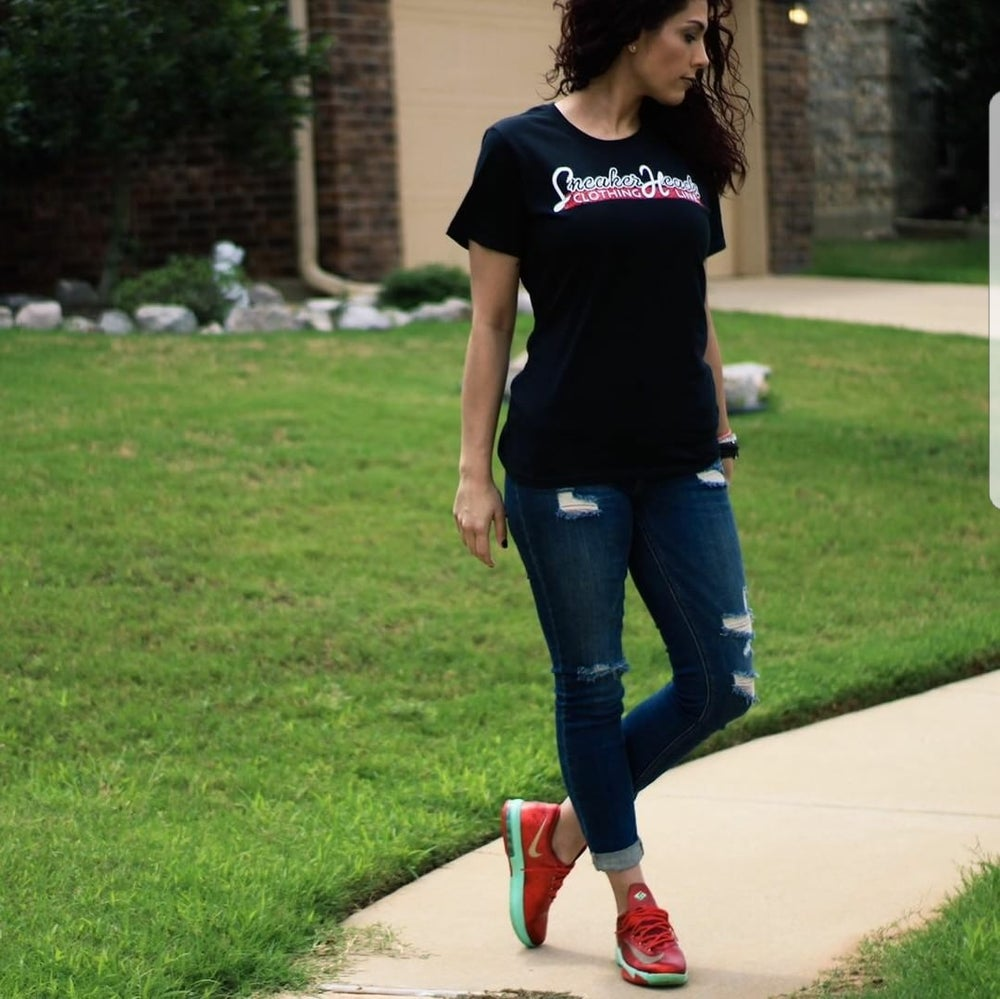 "Image of Womens Exclusive ""LOGO"" Slim-Fit Tee"