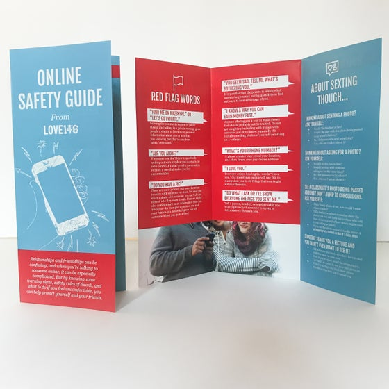 Image of Online Safety Guide (Pack of 25)