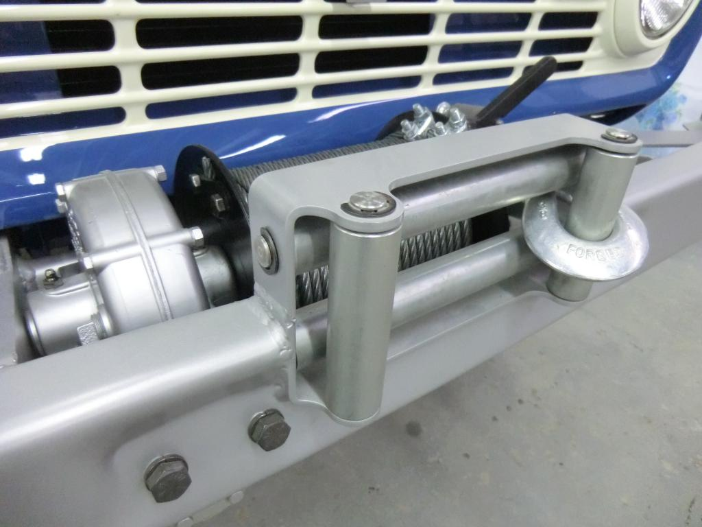 Image of Broncitis Reproduction Koenig Winch Bumper Roller Failrlead