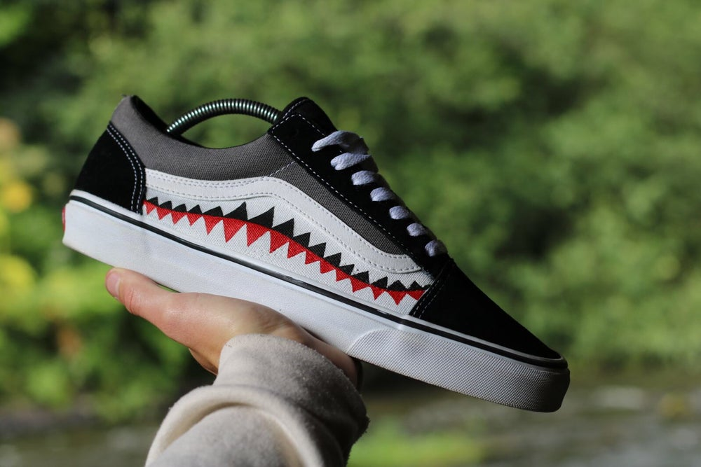 Image of The Vans - Shark Teeth