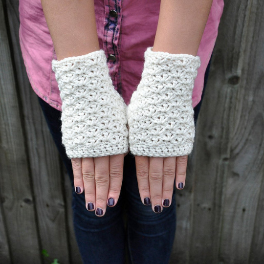 Image of PATTERN ONLY (PDF File) - Chunky fingerless mittens, accessories, fingerless gloves, winter, how to
