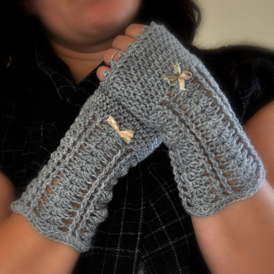 Image of PATTERN ONLY (PDF File) - Romantic Fingerless Mittens