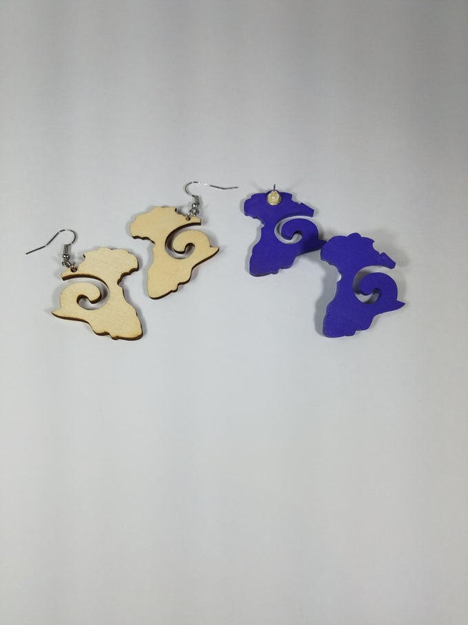 Image of Swirl Africa Shape Earrings