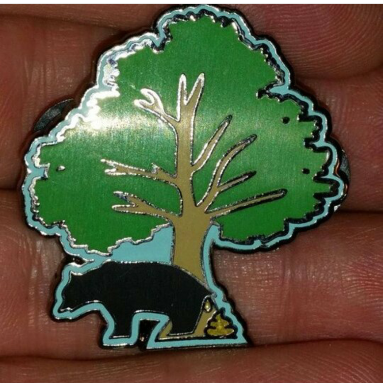 Image of Does a bear shit in the woods hatpin