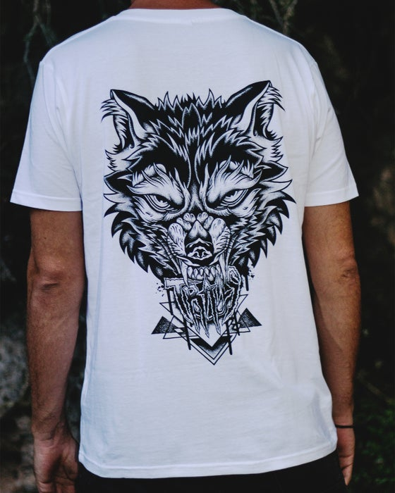 "Image of ""TRAILS WOLF"" TEE"