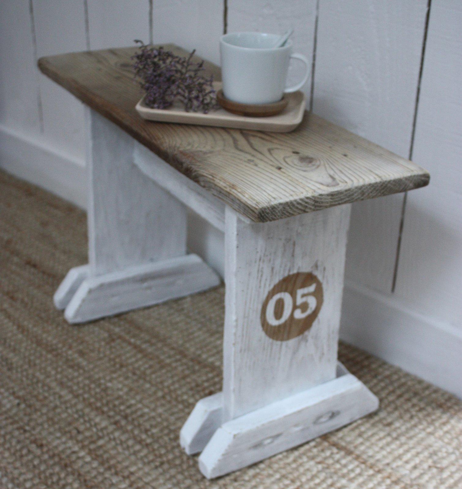 petit banc ancien en bois le grenier de ninon. Black Bedroom Furniture Sets. Home Design Ideas