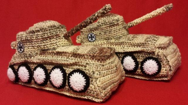 """Image of Panzer Hausschuhe / Tank Shoes """"Desert"""""""