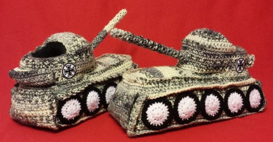 "Image of Panzer Hausschuhe / Tank Shoes ""Winter"""