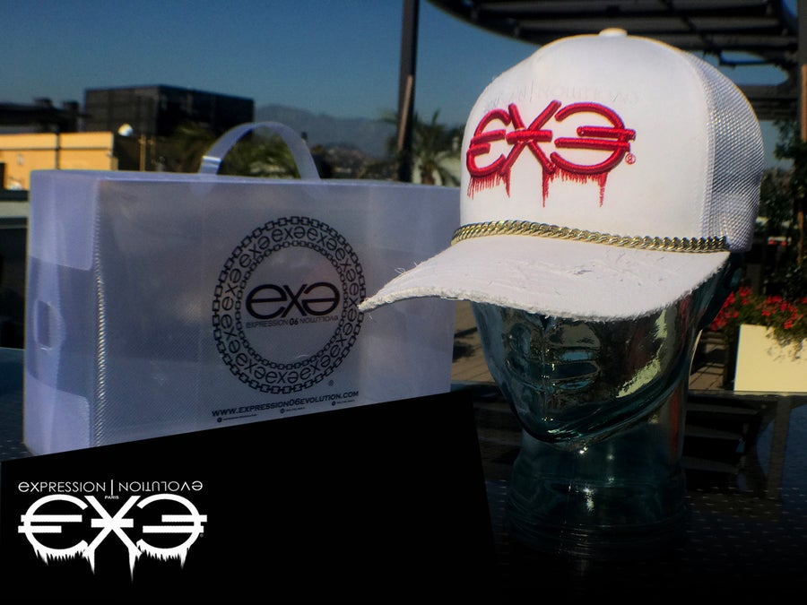 Image of EXPRESSION 06 EVOLUTION - EURO - Blanc Trucker Hat