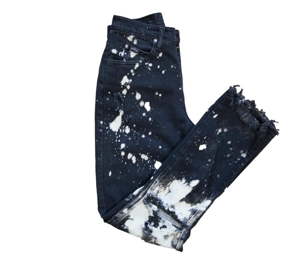 Image of WOMEN'S DESTRUCTED DENIM