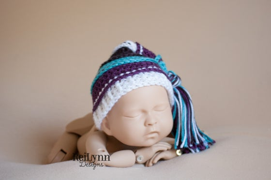 Image of Turquoise, Plum, White, Black Tassel Hat