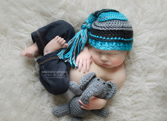 Image of Turquoise, Gray and Black Tassel Hat