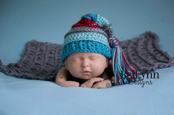 Image of Gray, Aqua, Turquoise and Red Tassel Hat