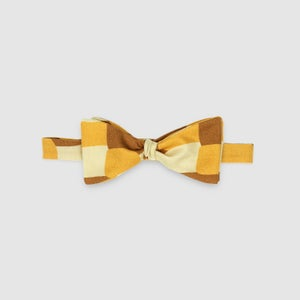 CHENNA - the bow tie