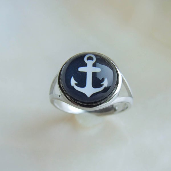 Image of Anchors Aweigh Sterling Ring (Medium)