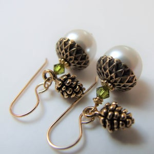 Image of Forest Bounty - Gold Acorns with Pine Cones (Gold)