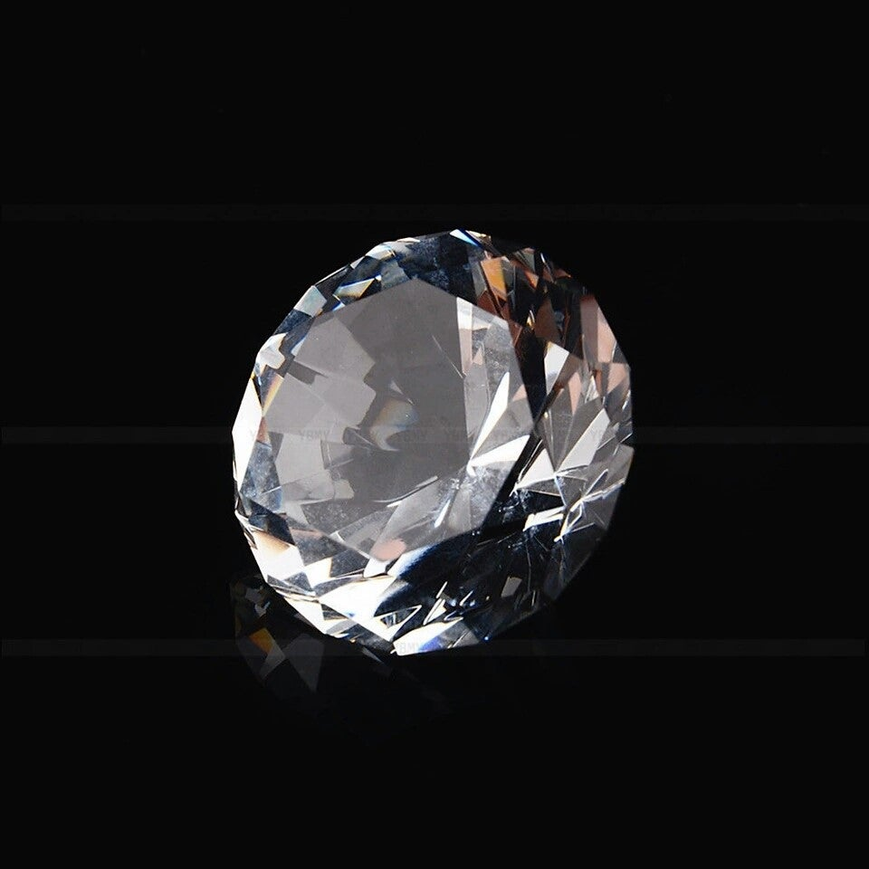 Image of CRYSTAL CLEAR DIAMOND CUT GLASS D'ECOR
