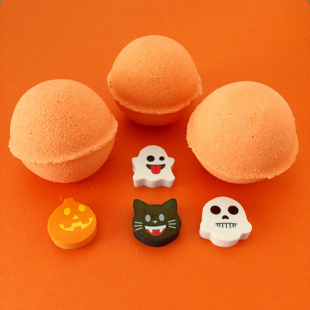 Image of Halloween Emoji Surprise Bath Bomb Minis