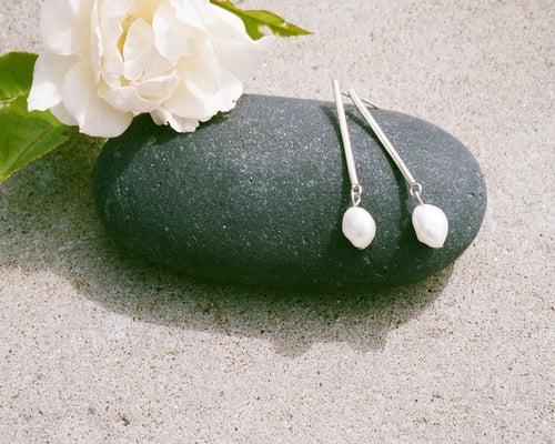 Image of Pearl Drop Earrings