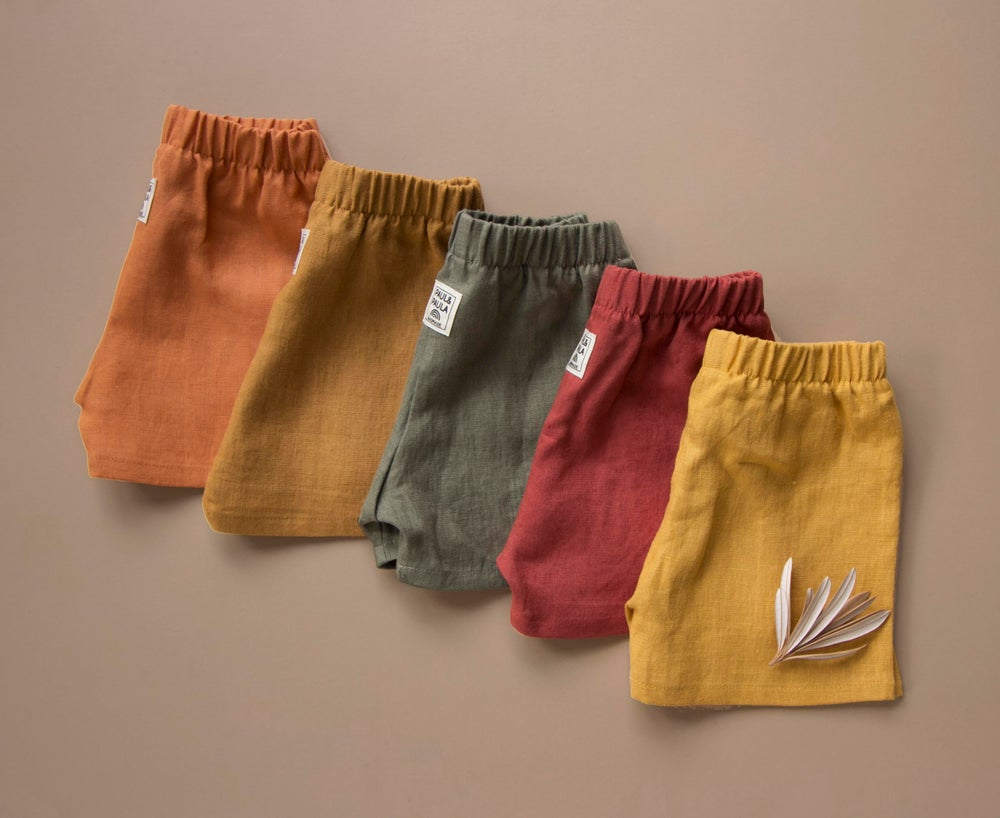 Image of Everyday linen shorts sage and mustard