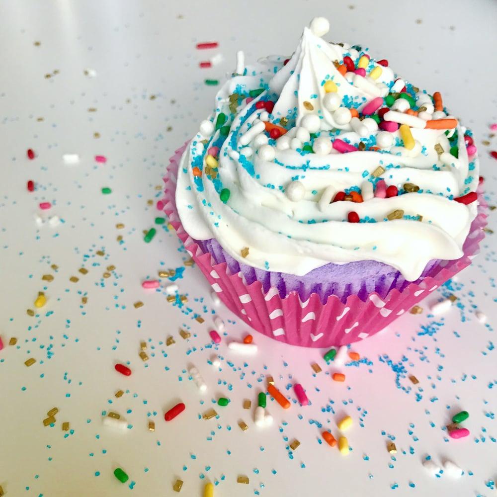 Image of Cupcake bomb