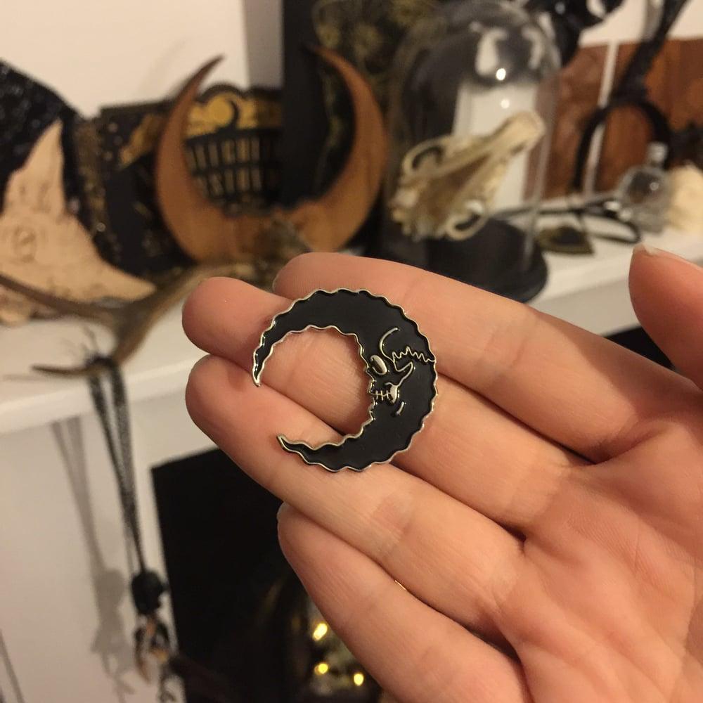 Image of Skully Moon - Silver base