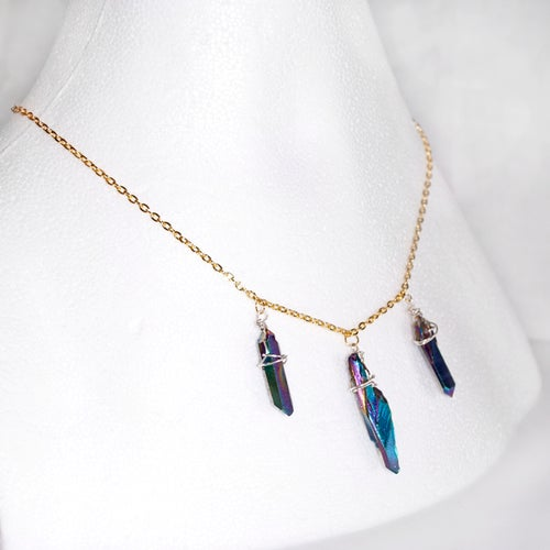 Image of Oilstain quartz necklace