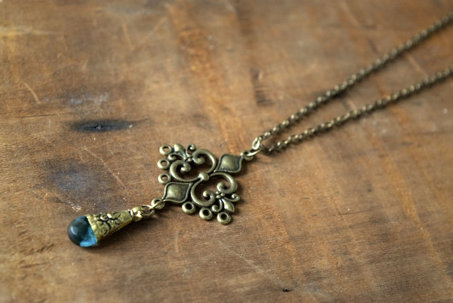 Image of The Crystalline Blue necklace