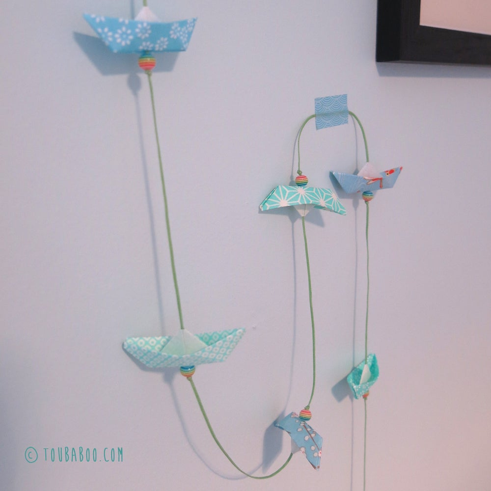 Image of Guirlande origami bateaux menthe et bleus
