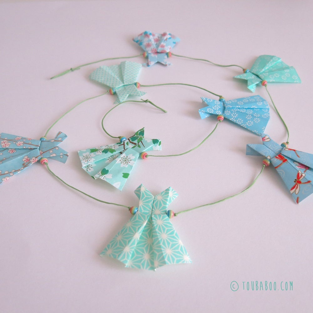 Image of Guirlande origami robes menthe et bleues