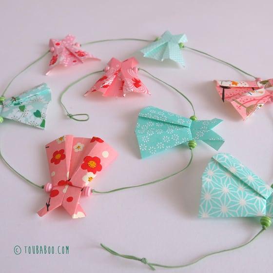 Image of Guirlande origami robes menthe et roses