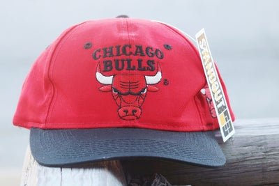 "Image of Rare 90's Vintage The G-Cap ""CHICAGO BULLS"" Original Snapback With Green Under Brim"