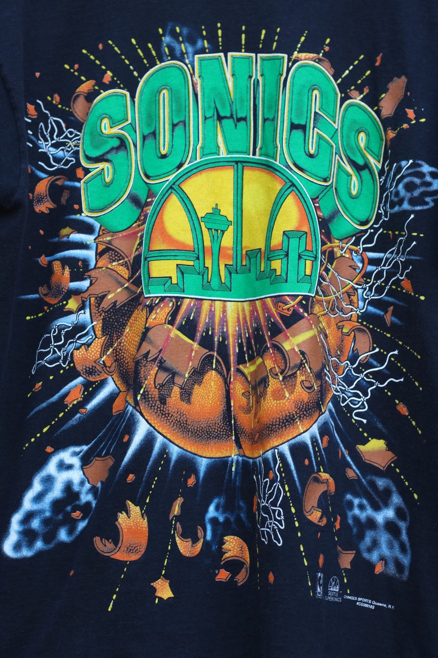 "Image of Rare 90's Vintage ""SEATTLE SUPERSONICS"" T-shirt Sz: X-LARGE"