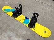 Image of Burton Men's 45w Custom Smalls Flying-V Snowboard with Burton bindings